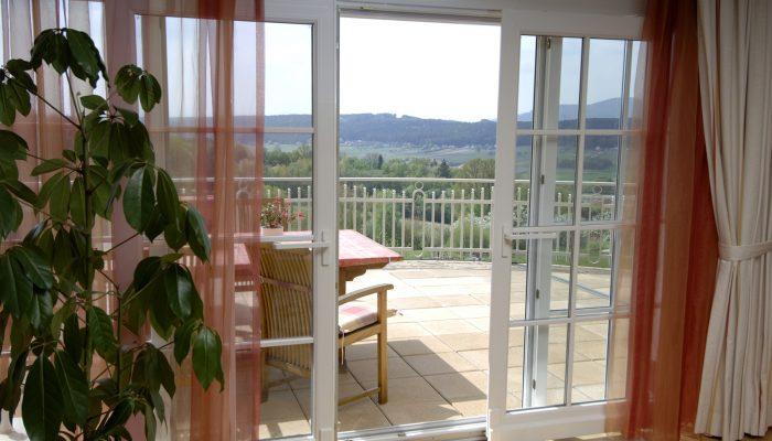 در-پنجره فولکسواگنی (Tilt and Slide Door-Window)