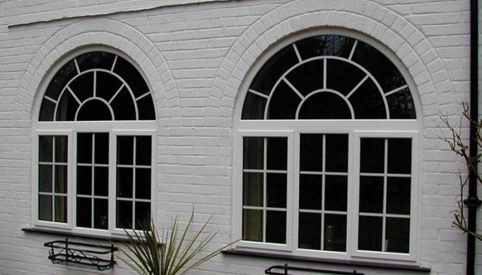 پنجره هلالی (Arched Window)